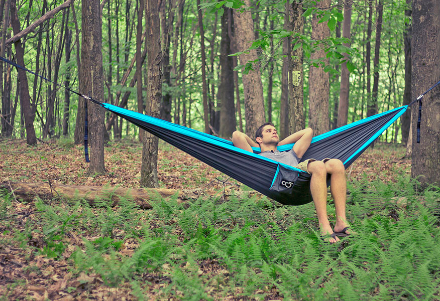 double hammock sleeping in a hammock   your ultimate guide to restful sleep      rh   liveinfinitely