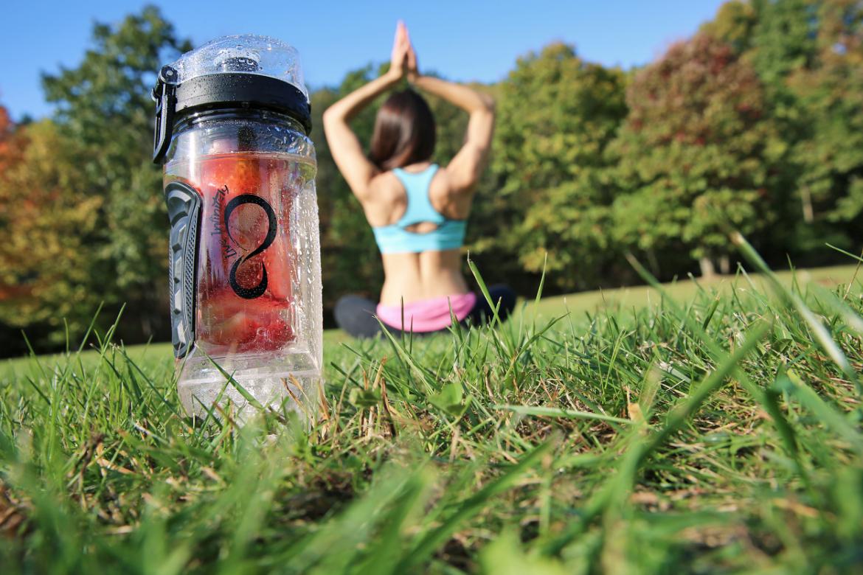 32 oz. Infuser Water Bottle & Reusable Gel Freezer Ball