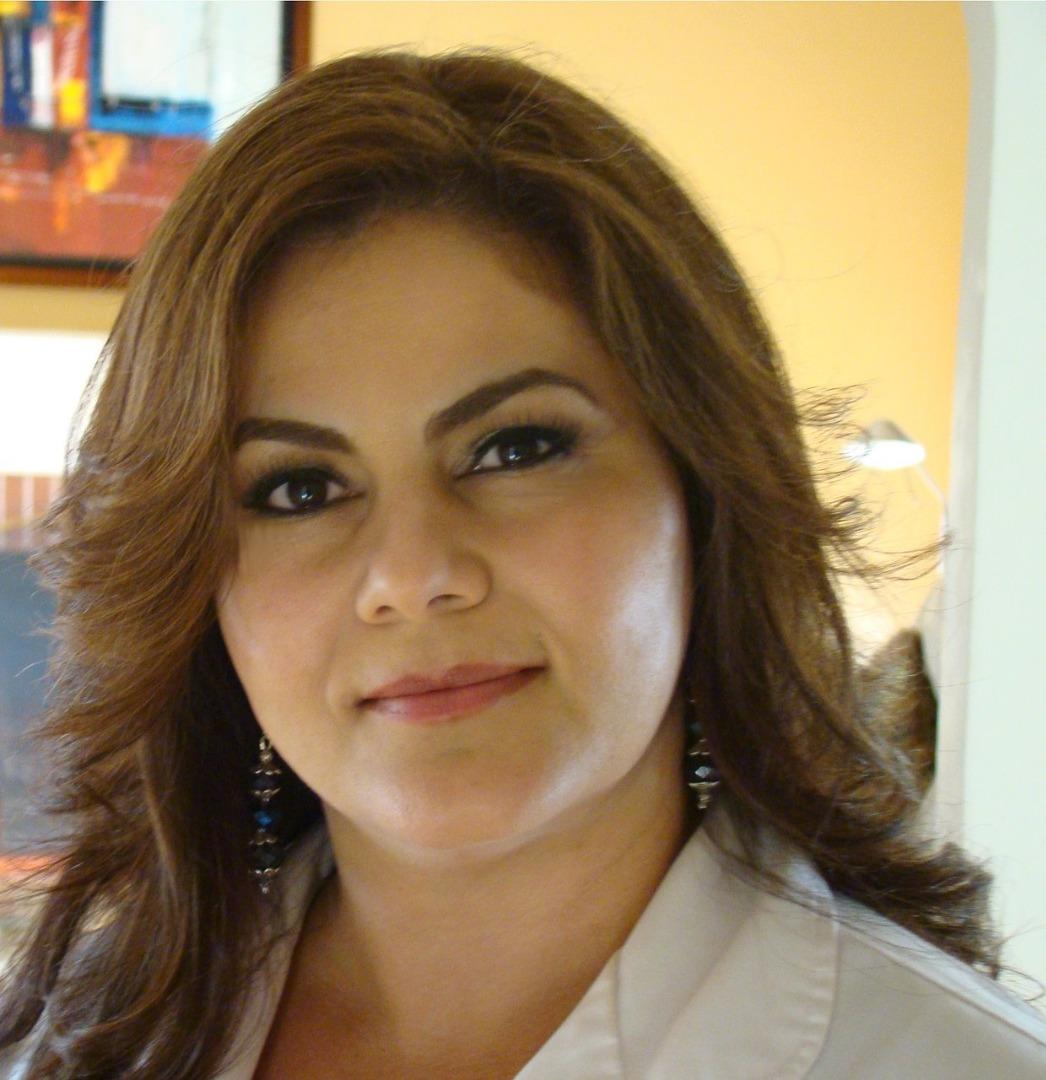Dr. Cardona
