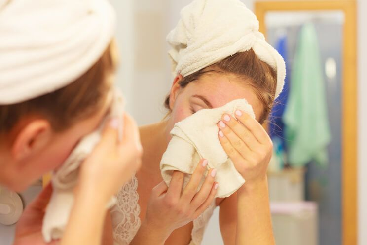skin exhaustion cleansing system with bamboo cloth