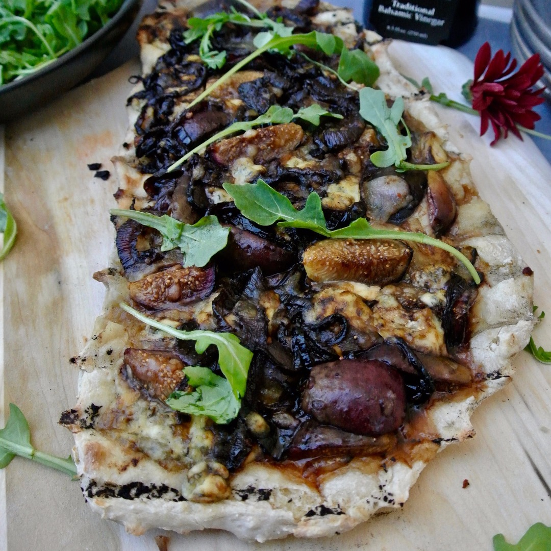 Grilled Fig and Balsamic Vinegar Pizza
