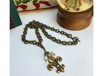 Necklace Antique Gold with Fleur de lis