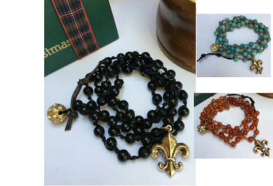 Bracelet beaded wrap with gold fleur de lis