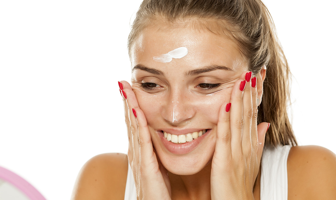 How To Naturally Soothe Facial Skin