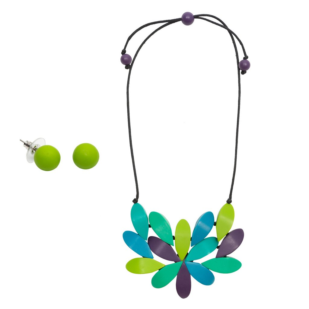 https://rubyolive.com/collections/gift-packs/products/wonderland-hibiscus-necklace-blue-mix-earring-set