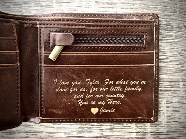 Men's Leather Wallet: Circle