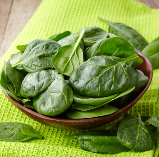 What are the health benefits of spinach powder