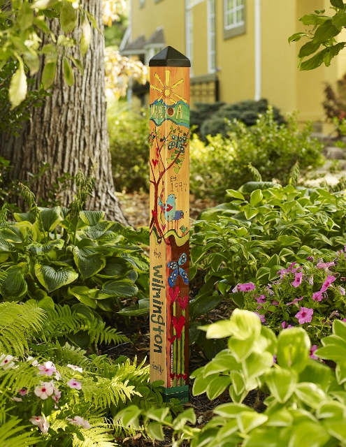 Family Garden Art Pole