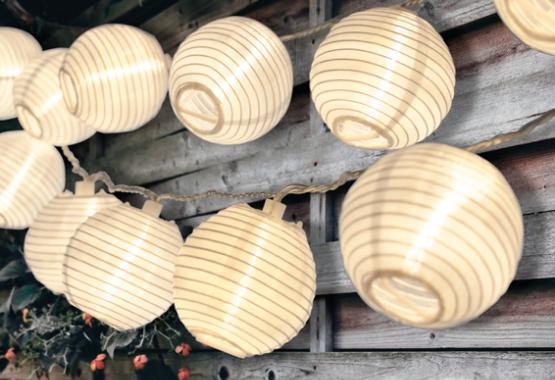white lunaxia lanterns