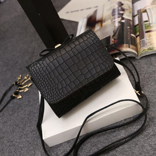 Women Alligator Bow Top Crossbody Handbag
