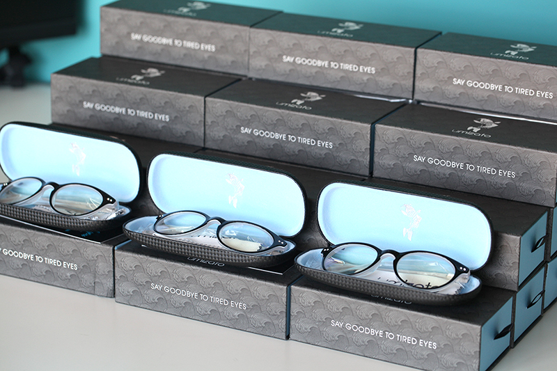 stack of computer glasses | Umizato