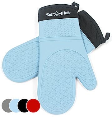 Silicone oven mitts in blue