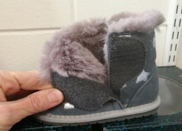 Emu Wool Slippers Velcro opening