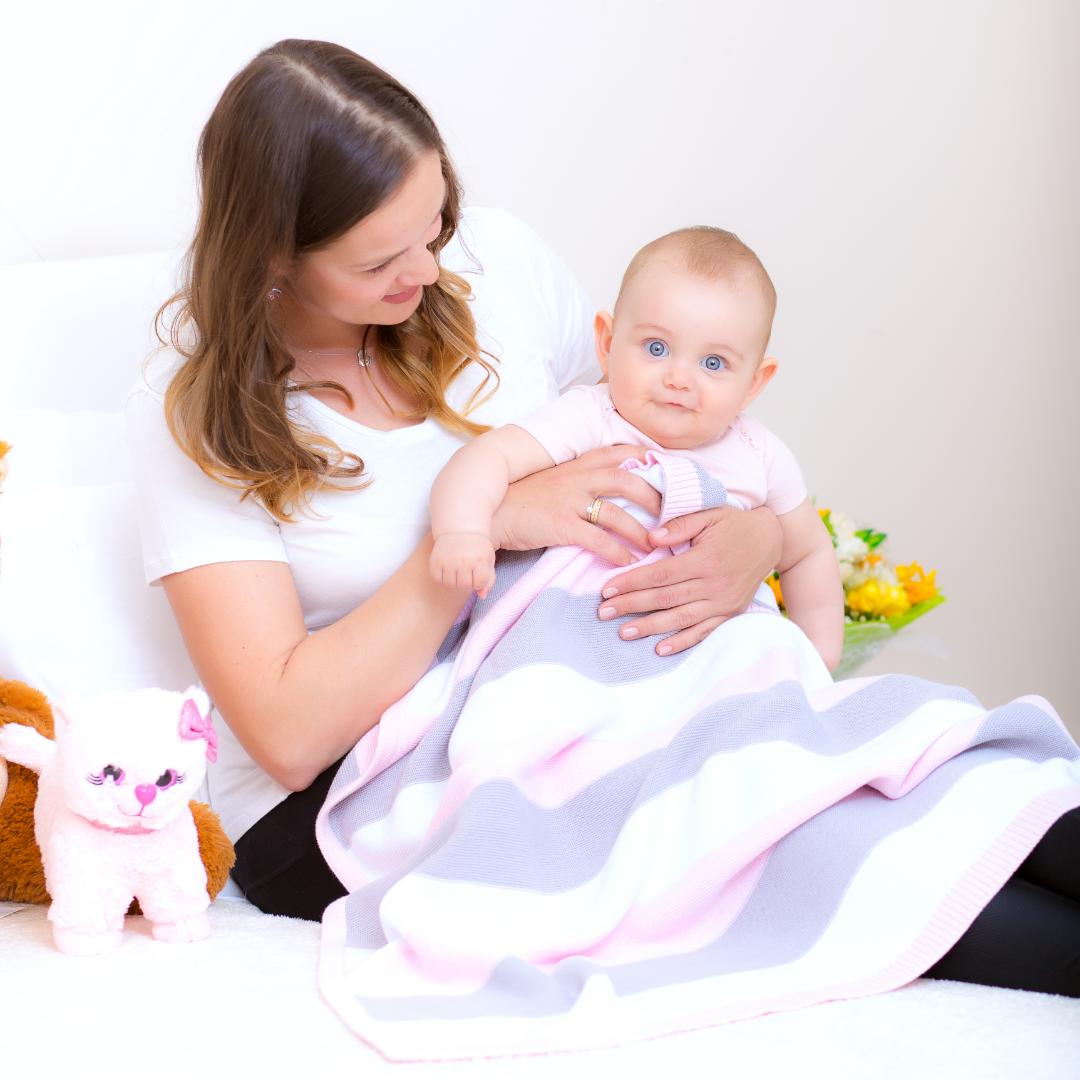 Baby Strickdecke Bio Baumwolle kbA GOTS Kuscheldecke Erstlingsdecke Minky Mooh rosa gestreift grau weiß.jpg