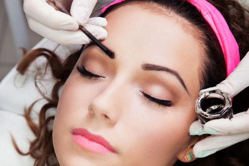 eyebrow dye