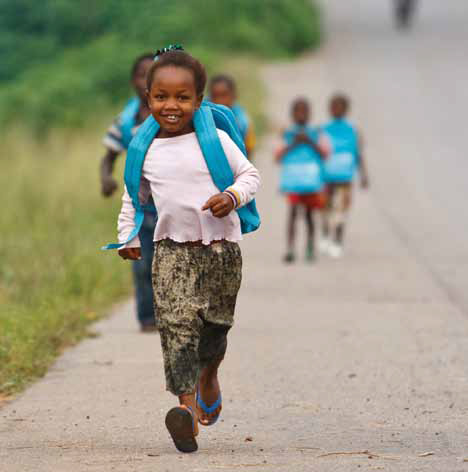 Minky Mooh UNICEF Projekt Kinder zurück zur Schule Send Children back to school