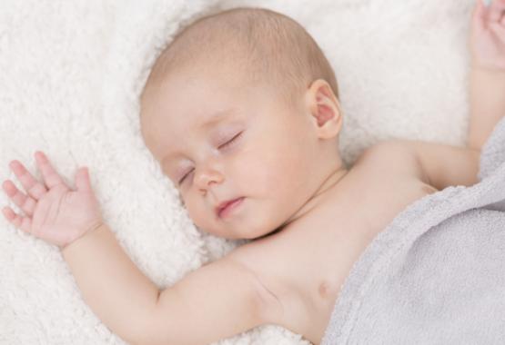 Wo soll mein Baby schlafen? Blog Artikel