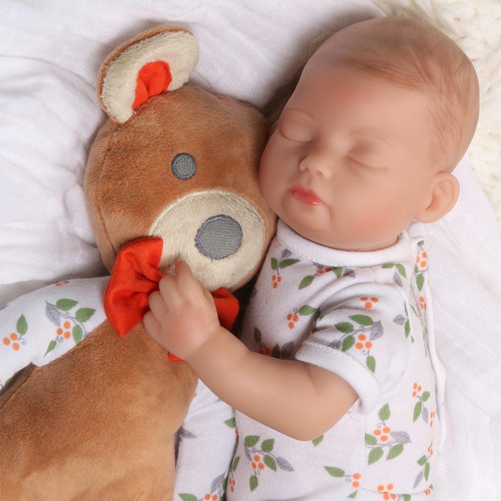 Bitsy baby: bear hugs