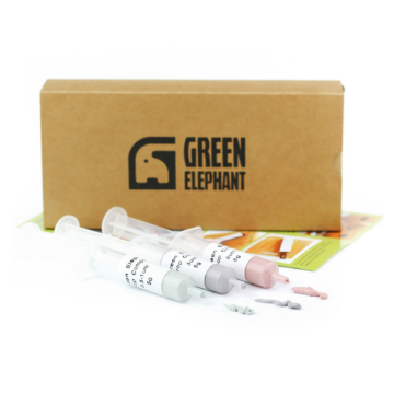 3-part stropping compound kit and a box together with printed instructions by Green Elephant