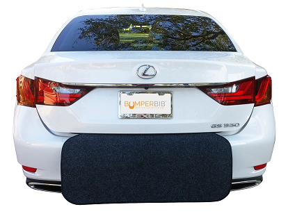 Rear bumper protector for unloading and loading items
